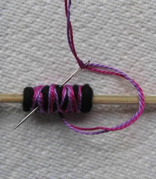 10-rolled-felt-bead-small