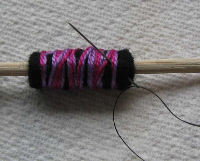 13-rolled-felt-bead-small